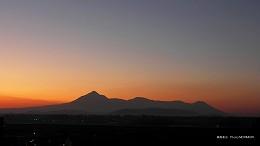 ハイビジョン 16:9 宮崎の壁紙 霧島連山の夕景